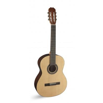 Sara klasična gitara